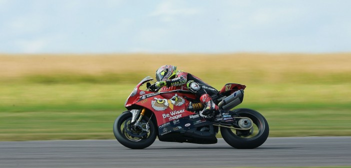 Dominant Byrne Romps To Thruxton Pole