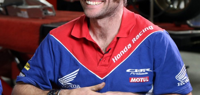 Honda Brings The Honda Six To Castle Combe Circuit With Guy Martin