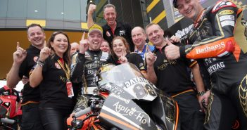 Hickman Wins Macau GP